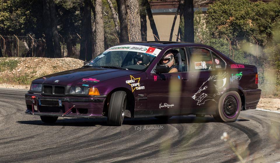 Megan Savary et sa BMW 323i